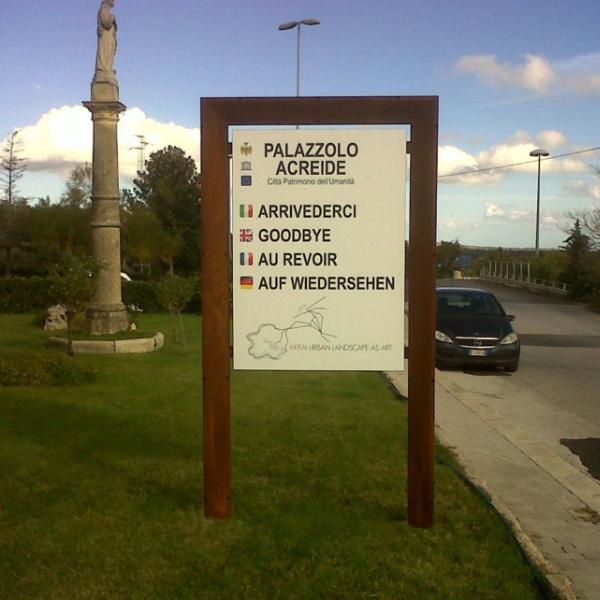 Chamonix Notice Board