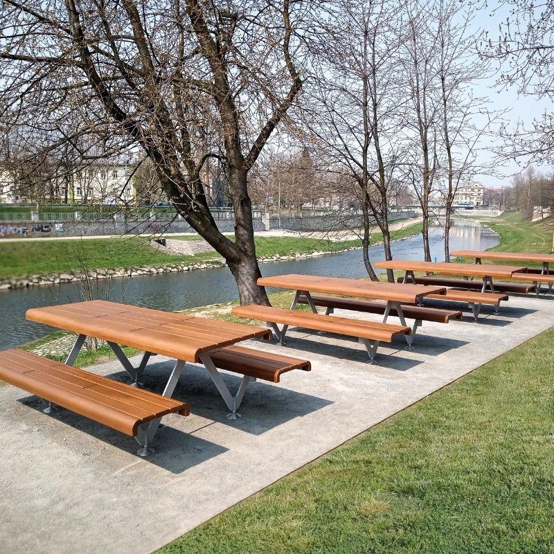 Air Picnic Table