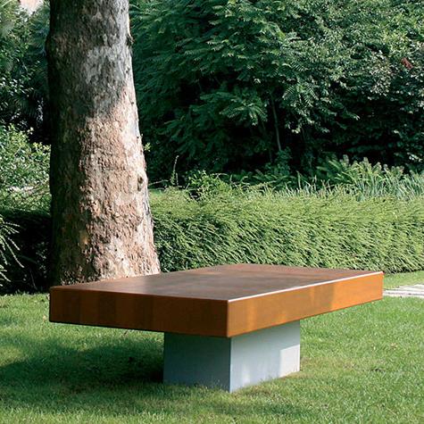 Agata Bench