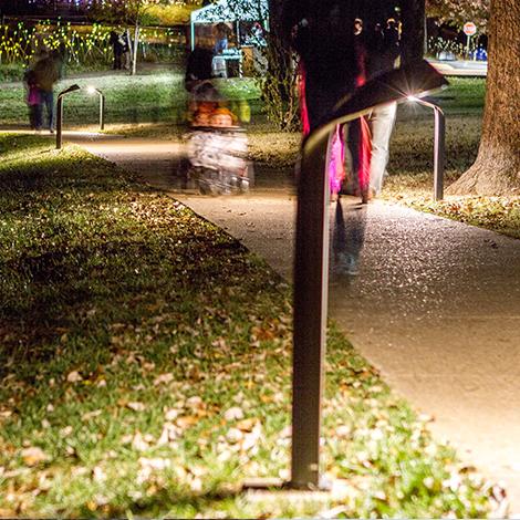 Lo-Glo Path Light