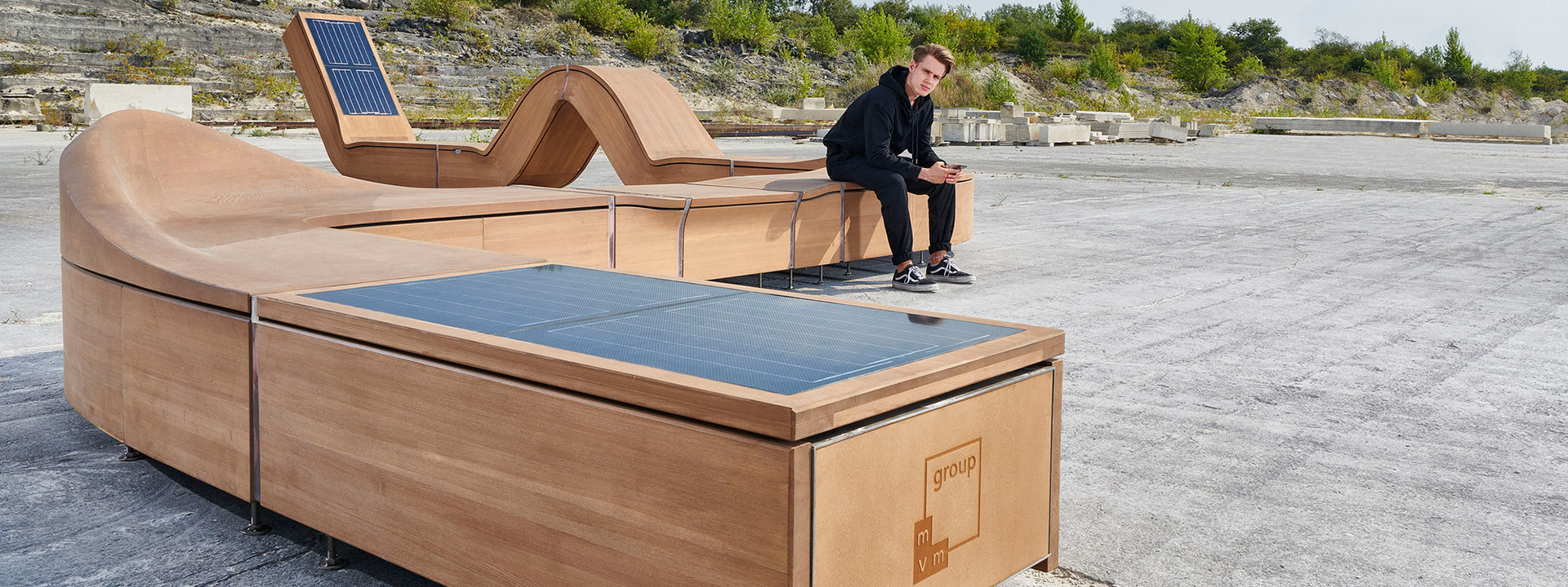 Intelligent Street furniture design that is adapting to the everchanging urban environment