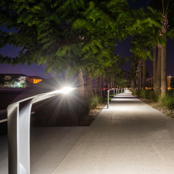 Lo-Glo Path Light